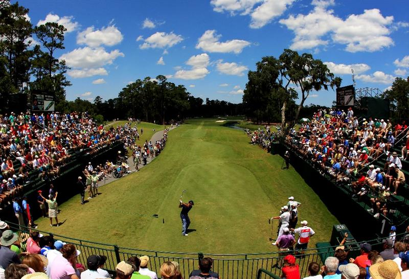 PONTE VEDRA BEACH, FL - MAY 15:  Davis Love III hits his tee shot on the first hole during the final round of THE PLAYERS Championship held at THE PLAYERS Stadium course at TPC Sawgrass on May 15, 2011 in Ponte Vedra Beach, Florida.  (Photo by Streeter Lecka/Getty Images)
