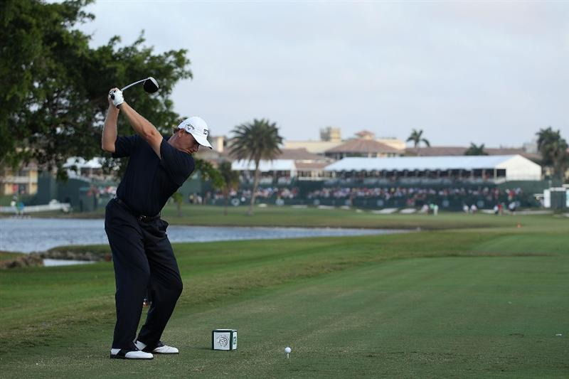 DORAL, FL - MARCH 11:  Ernie Els of South Africa tees off on the 18th tee box during round one of the 2010 WGC-CA Championship at the TPC Blue Monster at Doral on March 11, 2010 in Doral, Florida.  (Photo by Scott Halleran/Getty Images)