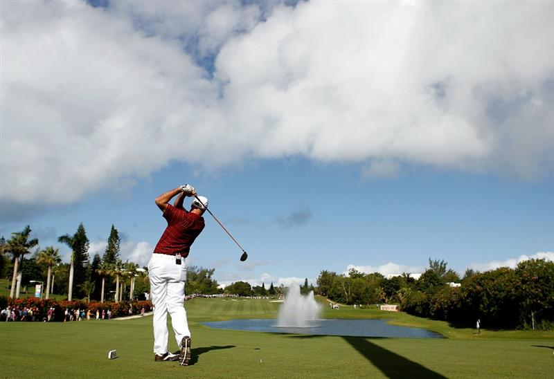 SOUTHAMPTON, BERMUDA - OCTOBER 20:  Stewart Cink hits his tee shot on the 2nd hole during the first round of the PGA Grand Slam of Golf on October 20, 2009 Port Royal Golf Course in Southampton, Bermuda.  (Photo by Andy Lyons/Getty Images)