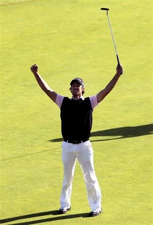 PACIFIC PALISADES, CA - FEBRUARY 20:  Aaron Baddeley of Australia celebrates after maiking the winning putt during the final round of the Northern Trust Open at Riviera Country Club on February 20, 2011 in Pacific Palisades, California.  (Photo by Stephen Dunn/Getty Images)