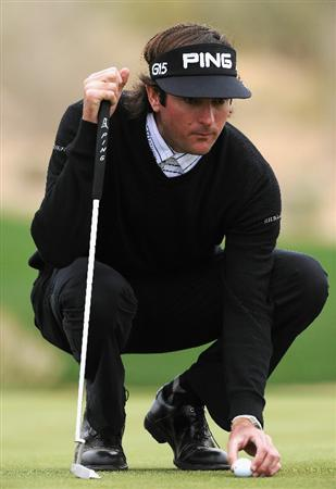 MARANA, AZ - FEBRUARY 26:  Bubba Watson lines up his putt on the 16th hole during the semifinal round of the Accenture Match Play Championship at the Ritz-Carlton Golf Club on February 26, 2011 in Marana, Arizona.  (Photo by Stuart Franklin/Getty Images)