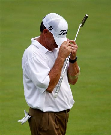 CONOVER, NC - SEPTEMBER 18:  Jay Haas reacts to a missed birdie putt on the 18th green during the first round of the Greater Hickory Classic at the Rock Barn Golf & Spa on September 18, 2009 in Conover, North Carolina.  (Photo by Scott Halleran/Getty Images)