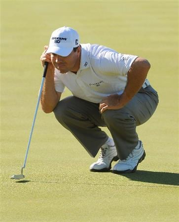 SCOTTSDALE, AZ - OCTOBER 24: Arron Oberholser lines up a putt for birdie on the par three 8th hole during the second round of  the Fry's.Com Open held at Grayhawk Golf Club on October 24, 2008 in Scottsdale, Arizona.(Photo by Marc Feldman/Getty Images)
