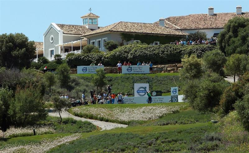 CASARES, SPAIN - MAY 21:  Luke Donald of England hits his tee-shot on the first play-off hole during his last 16 match at the Volvo World Match Play Championship at Finca Cortesin on May 21, 2011 in Casares, Spain.  (Photo by Andrew Redington/Getty Images)
