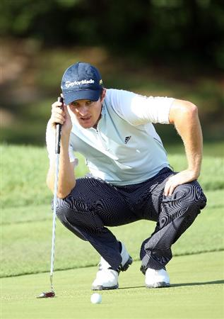 ORLANDO, FL - MARCH 26:  Justin Rose of England putts at the 1st hole during the first round of the Arnold Palmer Invitational Presented by Mastercard at the Bay Hill Club and Lodge on March 26, 2009 in Orlando, Florida  (Photo by David Cannon/Getty Images)