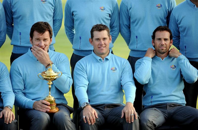 LOUISVILLE, KY - SEPTEMBER 16:  (L-R) European team captain Nick Faldo, Lee Westwood and Sergio Garcia prepare for the European Team photo shoot prior to the start of the 2008 Ryder Cup at Valhalla Golf Club of September 16, 2008 in Louisville, Kentucky.  (Photo by Harry How/Getty Images)
