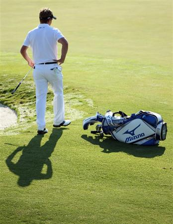 CASARES, SPAIN - MAY 22:  Luke Donald of England in action during the semi final of the Volvo World Match Play Championship at Finca Cortesin on May 22, 2011 in Casares, Spain.  (Photo by Andrew Redington/Getty Images)