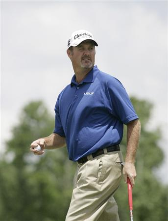 AVONDALE, LA - APRIL 26: Jerry Kelly looks back at the 2nd green after making a par on the hole during the final round of the Zurich Classic at TPC Louisiana on April 26, 2009  in Avondale, Louisiana. (Photo by Dave Martin/Getty Images)