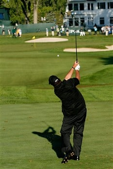 BLOOMFIELD HILLS, MI - AUGUST 10:  Phil Mickelson plays his tee shot on the ninth hole during the completion of round three of the 90th PGA Championship at Oakland Hills Country Club on August 10, 2008 in Bloomfield Township, Michigan.  (Photo by Hunter Martin/Getty Images)