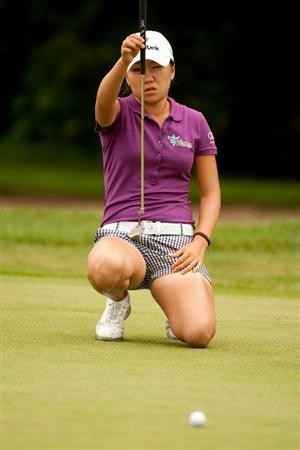 SPRINGFIELD, IL - JUNE 10: In-Kyung Kim of South Korea lines up a putt during the first round of the LPGA State Farm Classic at Panther Creek Country Club on June 10, 2010 in Springfield, Illinois. (Photo by Darren Carroll/Getty Images)