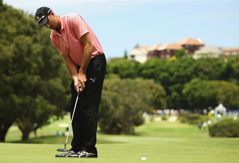 SYDNEY, AUSTRALIA - DECEMBER 13:  Geoff Ogilvy of Australia putts on the 10th hole during the third round of the 2008 Australian Open at The Royal Sydney Golf Club on December 13, 2008 in Sydney, Australia.  (Photo by Brendon Thorne/Getty Images)