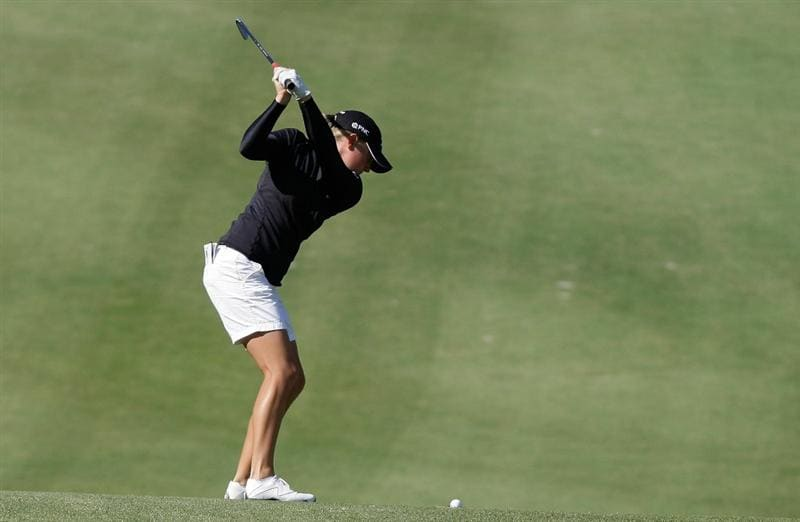SHIMA, JAPAN - NOVEMBER 06:  Stacy Lewis of United States plays a shot on the 6th hole during round two of the Mizuno Classic at Kintetsu Kashikojima Country Club on November 6, 2010 in Shima, Japan.  (Photo by Chung Sung-Jun/Getty Images)