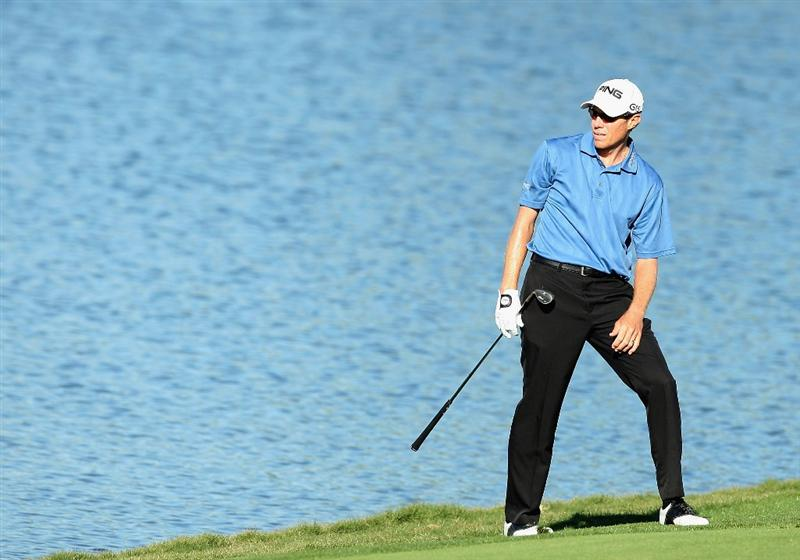 SCOTTSDALE, AZ - OCTOBER 23:  Nick O'Hern of Australia watches his fourth shot on the 18th hole, following a water hazard, during the second round of the Frys.com Open at Grayhawk Golf Club on October 23, 2009 in Scottsdale, Arizona.  (Photo by Christian Petersen/Getty Images)