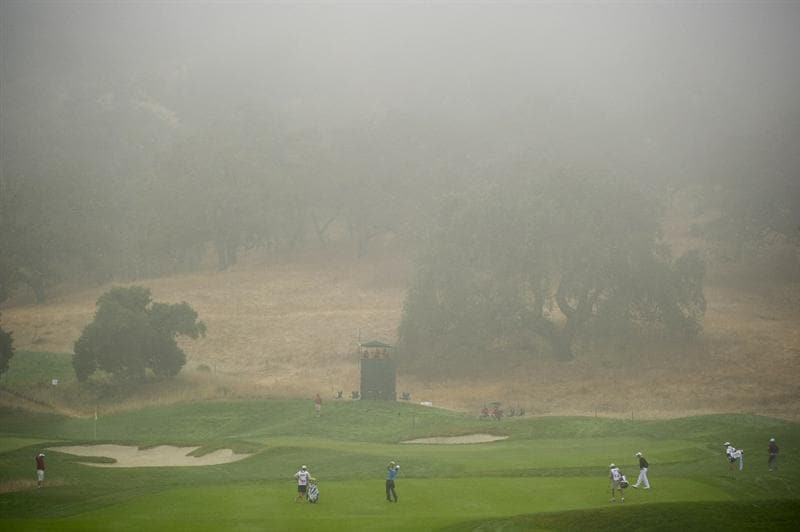 SAN MARTIN, CA - OCTOBER 16:  Kevin Streelman makes a tee shot on the fourth hole during the third round of the Frys.com Open at the CordeValle Golf Club on October 16, 2010 in San Martin, California.  (Photo by Robert Laberge/Getty Images)
