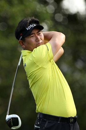 AUGUSTA, GA - APRIL 08:  Y.E. Yang of South Korea hits his tee shot on the second hole during the second round of the 2011 Masters Tournament at Augusta National Golf Club on April 8, 2011 in Augusta, Georgia.  (Photo by Andrew Redington/Getty Images)