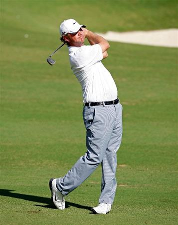 SOUTHAMPTON, BERMUDA - OCTOBER 20:  Lucas Glover hits his second shot on the 1st hole during the first round of the PGA Grand Slam of Golf on October 20, 2009 Port Royal Golf Course in Southampton, Bermuda.  (Photo by Andy Lyons/Getty Images)