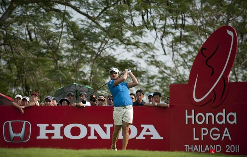CHON BURI, THAILAND - FEBRUARY 19:  Yani Tseng of Taiwan tees off on the 18th hole during day three of the LPGA Thailand at Siam Country Club on February 19, 2011 in Chon Buri, Thailand.  (Photo by Victor Fraile/Getty Images)