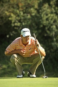 PACIFIC PALISADES, CA - FEBRUARY 16:  Jeff Quinney lines up his putt on the 12th hole during the third round of the Northern Trust Open on February 16, 2008 at Riviera Country Club in Pacific Palisades, California.  (Photo by Stephen Dunn/Getty Images)