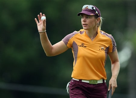 EDINA, MN - JUNE 27:  Annika Sorenstam of Sweden acknowledges the crowd after a birdie at the 2nd hole during the second round of the 2008 U.S. Women's Open Championship held at Interlachen Country Club on June 27, 2008 in Edina, Minnesota.  (Photo by David Cannon/Getty Images)