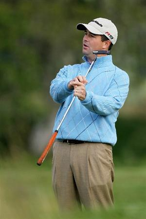 PEBBLE BEACH, CA - JUNE 17:  Charles Warren reacts to a missed putt on the second green during the first round of the 110th U.S. Open at Pebble Beach Golf Links on June 17, 2010 in Pebble Beach, California.  (Photo by Donald Miralle/Getty Images)