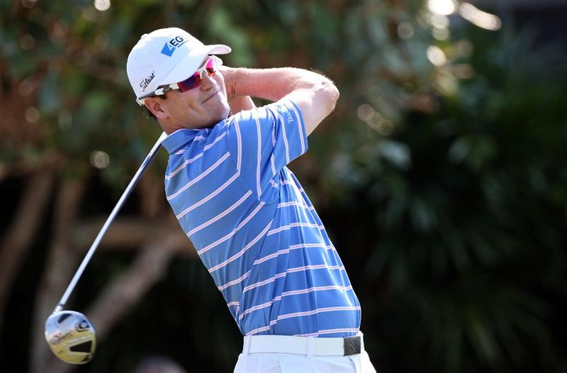 KAPALUA, HI - JANUARY 10:  Zach Johnson hits a shot during the third round of the Mercedes-Benz Championship at the Plantation Course on January 10, 2009 in Kapalua, Maui, Hawaii.  (Photo by Sam Greenwood/Getty Images)