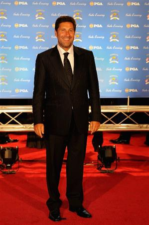 LOUISVILLE, KY - SEPTEMBER 17:  Jose Maria Olazabal of Spain and European team member arrives on the red carpet for the Ryder Cup Gala dinner prior to the start of the 2008 Ryder Cup September 17, 2008 in Louisville, Kentucky.  (Photo by Sam Greenwood/Getty Images)