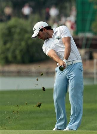 ABU DHABI, UNITED ARAB EMIRATES - JANUARY 22:  Gareth Maybin of Northern Ireland on the 14th hole during the third round of the 2011 Abu Dhabi HSBC Golf Championship held at the Abu Dhabi Golf Club on January 22, 2011 in Abu Dhabi, United Arab Emirates.  (Photo by David Cannon/Getty Images)