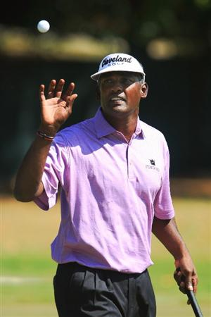ATLANTA - SEPTEMBER 28:  Vijay Singh of Fiji catches his golf ball while walking across the third hole green during the final round of THE TOUR Championship presented by Coca-Cola, at East Lake Golf Club on September 28, 2008 in Atlanta, Georgia. This is the final event of the PGA TOUR Playoffs for the FedExCup.  (Photo by Scott Halleran/Getty Images)