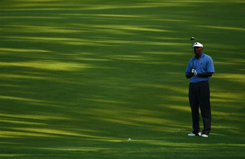 PONTE VEDRA BEACH, FL - MAY 07:  Vijay Singh of Fiji lines up his second shot on the second hole during the first round of THE PLAYERS Championship on THE PLAYERS Stadium Course at TPC Sawgrass on May 7, 2009 in Ponte Vedra Beach, Florida.  (Photo by Richard Heathcote/Getty Images)