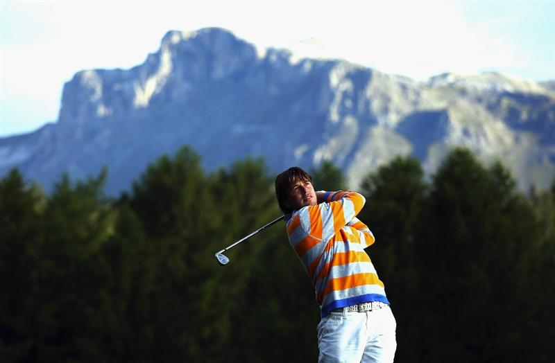 CRANS, SWITZERLAND - SEPTEMBER 05:  Robert Jan Derksen of Holland plays his second shot on the 12th hole during the second round of the Omega European Masters at Crans-Sur-Sierre Golf Club on September 5, 2008 in Crans Montana, Switzerland.  (Photo by Andrew Redington/Getty Images)