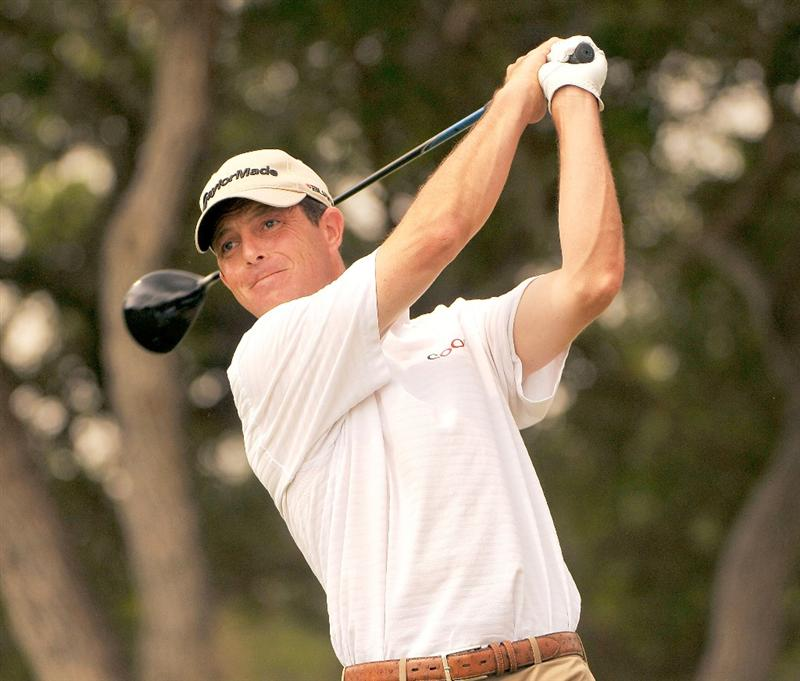 SAN ANTONIO, TX. - MAY 16: Jonathan Kaye tees off the 18th hole during the third round of the Valero Texas Open held at La Cantera Golf Club on May 16, 2009 in San Antonio, Texas.  (Photo by Marc Feldman/Getty Images)