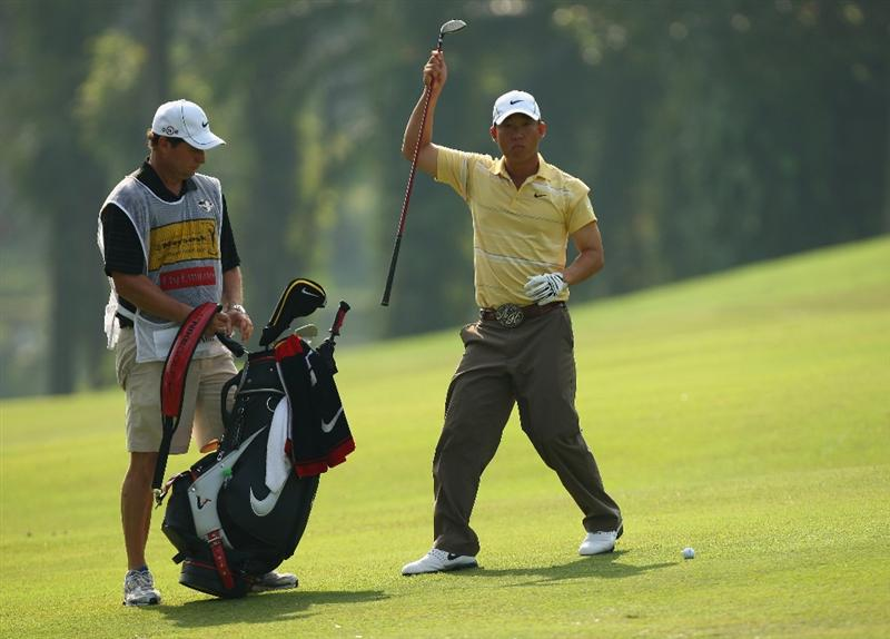 KUALA LUMPUR, MALAYSIA - FEBRUARY 13:  Anthony Kim of USA in action during the round two of the 2009 Maybank Malaysian Open at Saujana Golf and Country Club on February 13, 2009 in Kuala Lumpur, Malaysia.  (Photo by Ian Walton/Getty Images)
