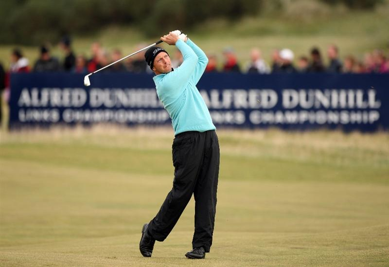 ST ANDREWS, SCOTLAND - OCTOBER 05:  Soren Hansen of Denmark plays his second shot to the 17th green during the final round of The Alfred Dunhill Links Championship at The Old Course on October 5, 2009 in St.Andrews, Scotland.  (Photo by Warren Little/Getty Images)