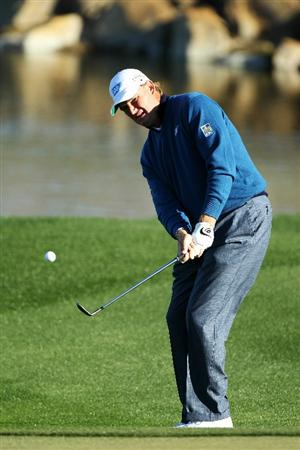 MARANA, AZ - FEBRUARY 23:  Ernie Els of South Africa plays his second shot on the third hole during the first round of the Accenture Match Play Championship at the Ritz-Carlton Golf Club on February 23, 2011 in Marana, Arizona.  (Photo by Andy Lyons/Getty Images)