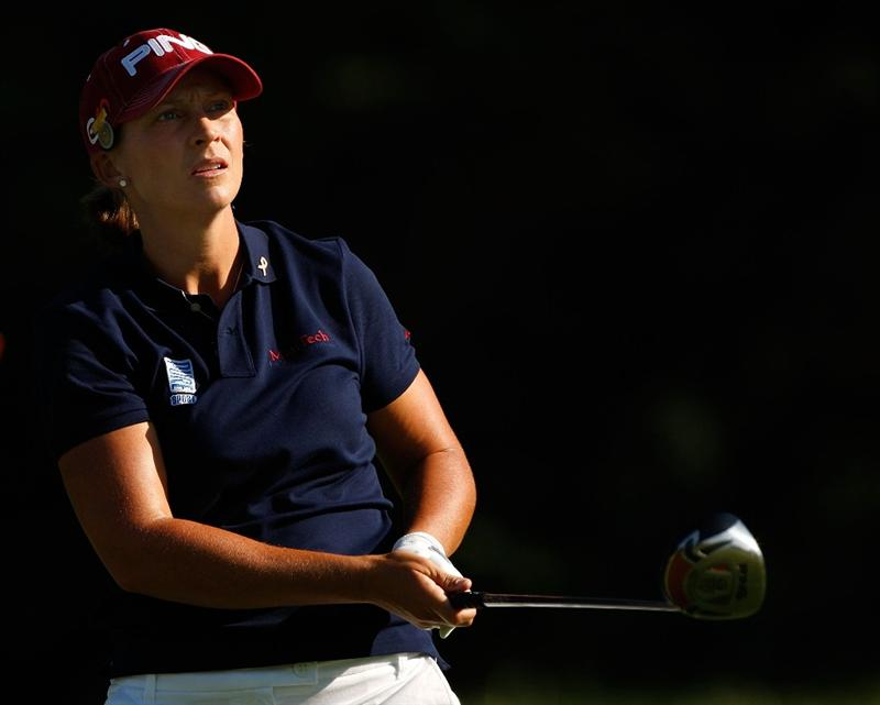 BETHLEHEM, PA - JULY 09:  Angela Stanford watches her tee shot on the 2nd hole during the first round of the 2009 U.S. Women's Open at Saucon Valley Country Club on July 9, 2009 in Bethlehem, Pennsylvania.  (Photo by Streeter Lecka/Getty Images)