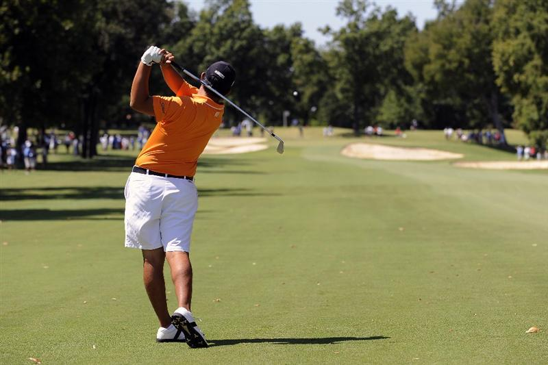 TULSA, OK - AUGUST 30:  Byeong-Hun An hits an approach shot on the 5th hole during the Finals of the U.S. Amateur Golf Championship on August 30, 2009 at Southern Hills Country Club in Tulsa, Oklahoma.  (Photo by G. Newman Lowrance/Getty Images)