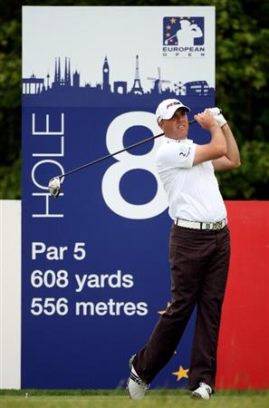 ASH, UNITED KINGDOM - MAY 28:  Graeme Storm of England hits his tee-shot on the eighth hole during the first round of The European Open on May 28, 2009 at The London Golf Club in Ash, England.  (Photo by Andrew Redington/Getty Images)