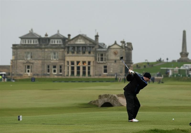 ST ANDREWS, SCOTLAND - OCTOBER 09: Amateur player Kieran McManus of Ireland on the 18th tee  during the third round of The Alfred Dunhill Links Championship at The Old Course on October 9, 2010 in St Andrews, Scotland.  (Photo by Ross Kinnaird/Getty Images)