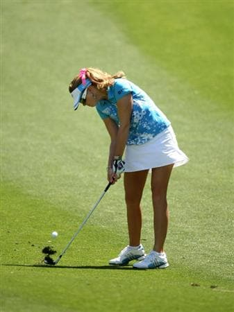 RANCHO MIRAGE, CA - APRIL 04:  Paula Creamer hits from the fairway on the seventh hole during the third round of the Kraft Nabisco Championship at Mission Hills Country Club on April 4, 2009 in Rancho Mirage, California.  (Photo by Stephen Dunn/Getty Images)