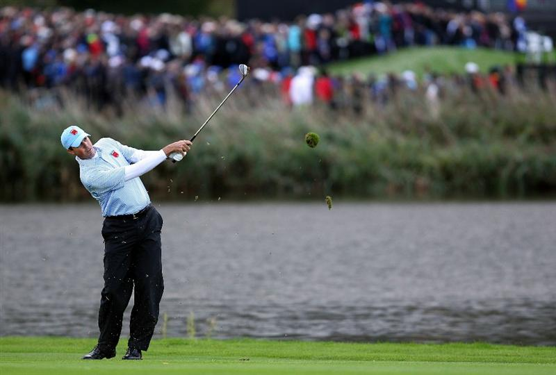 NEWPORT, WALES - OCTOBER 03:  Matt Kuchar of the USA hits an approach shot during the  Fourball & Foursome Matches during the 2010 Ryder Cup at the Celtic Manor Resort on October 3, 2010 in Newport, Wales. (Photo by Andy Lyons/Getty Images)