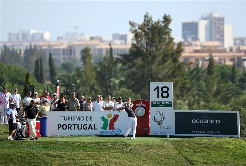 VILAMOURA, PORTUGAL - OCTOBER 17:  Oliver Wilson of England hits his tee-shot on the 18th hole during the third round of the Portugal Masters at the Oceanico Victoria Golf Course on October 17, 2009 in Vilamoura, Portugal.  (Photo by Andrew Redington/Getty Images)