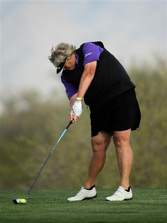 PHOENIX, AZ - MARCH 18:  Laura Davies of England hits her tee shot on the 18th hole during the first round of the RR Donnelley LPGA Founders Cup at Wildfire Golf Club on March 18, 2011 in Phoenix, Arizona.  (Photo by Stephen Dunn/Getty Images)