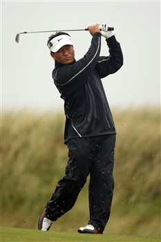 SOUTHPORT, UNITED KINGDOM - JULY 17:  K.J. Choi of Korea hits a shot during the First Round of the 137th Open Championship on July 17, 2008 at Royal Birkdale Golf Club, Southport, England.  (Photo by Ross Kinnaird/Getty Images)