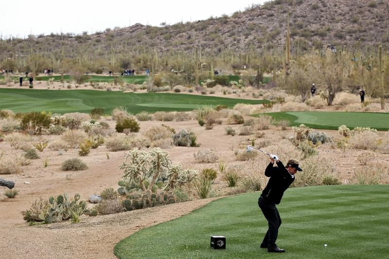 MARANA, AZ - FEBRUARY 27:  Luke Donald of England hits his tee shot on the fifth hole during the final round of the Accenture Match Play Championship at the Ritz-Carlton Golf Club on February 27, 2011 in Marana, Arizona.  (Photo by Andy Lyons/Getty Images)