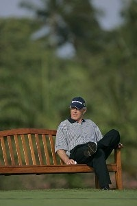 Hale Irwin waits on the 14th tee during the first round of the 2006 Mastercard Championship  at Hualalai resort,  Kona, Hawaii. January 20,2006Photo by: Chris Condon/PGA TOUR