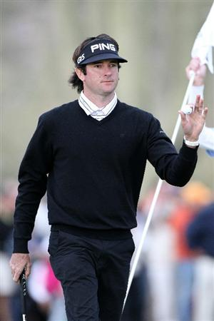 MARANA, AZ - FEBRUARY 26:  Bubba Watson waves to fans on the 17th hole during the semifinal round of the Accenture Match Play Championship at the Ritz-Carlton Golf Club on February 26, 2011 in Marana, Arizona.  (Photo by Sam Greenwood/Getty Images)