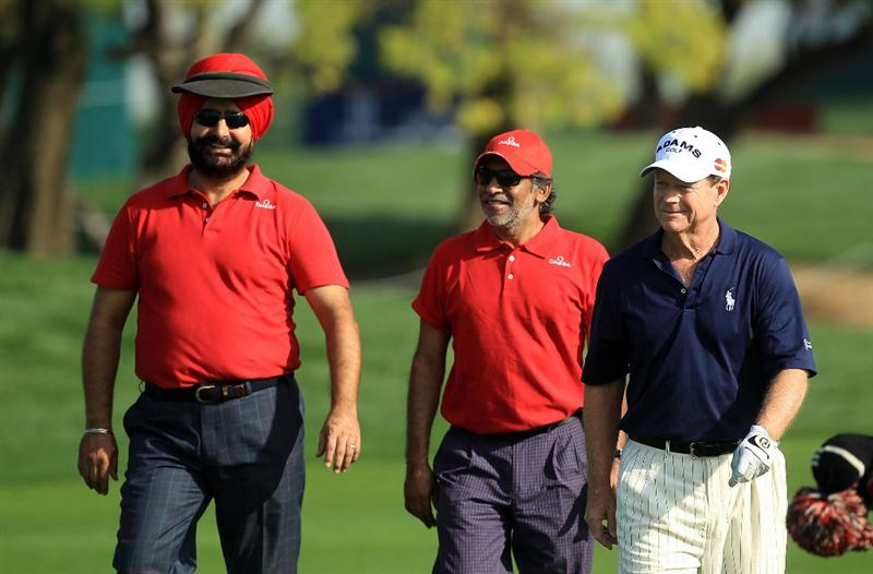 DUBAI, UNITED ARAB EMIRATES - FEBRUARY 03:  Tom Watson of the USA with his pro-am partners at the 9th hole during the pro-am as a preview for the 2010 Omega Dubai Desert Classic on the Majilis Course at the Emirates Golf Club on February 3, 2010 in Dubai, United Arab Emirates.  (Photo by David Cannon/Getty Images)