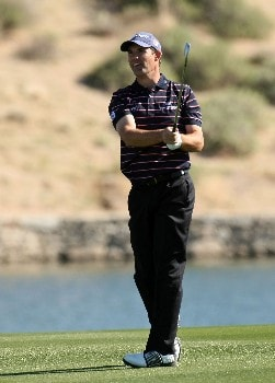 MARANA, AZ - FEBRUARY 21:  Padraig Harrington of Ireland watches his approach shot on the fourth hole during the second round matches of the WGC-Accenture Match Play Championship at The Gallery at Dove Mountain February 21, 2008 in Marana, Arizona.  (Photo by Stephen Dunn/Getty Images)