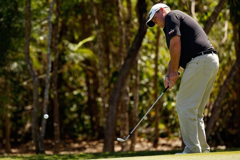 RIVIERA MAYA, MEXICO - FEBRUARY 28:  Jarrod Lyle chips onto the green at the 3rd hole during the third round of the Mayakoba Golf Classic on February 28, 2009 at El Camaleon Golf Club in Riviera Maya, Mexico.  (Photo by Chris Graythen/Getty Images)