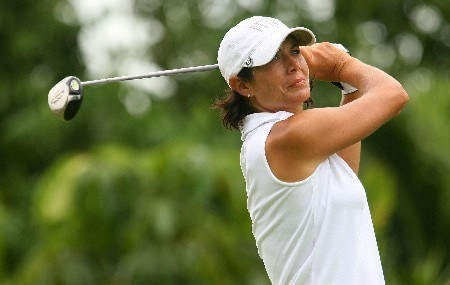 SINGAPORE - MARCH 02:  Laura Diaz of the U.S. hits her tee shot on the ninth hole during the final round of the HSBC Women's Champions at Tanah Merah Country Club March 2, 2008 in Singapore.  (Photo by Scott Halleran/Getty Images)